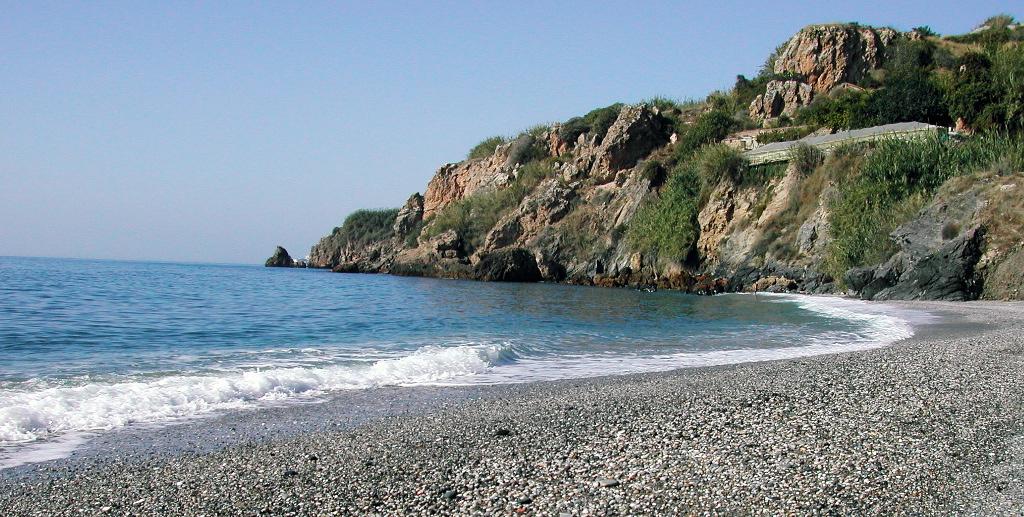 playa-maro-malaga-by-fontxito