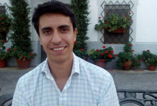 """Javier Cayetano: """"eScholarium nos proporciona una forma de acercar la tecnología a los alumnos"""""""