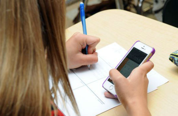 Nuevos datos de la revolución digital: la mitad de los niños de 11 años ya tienen móvil