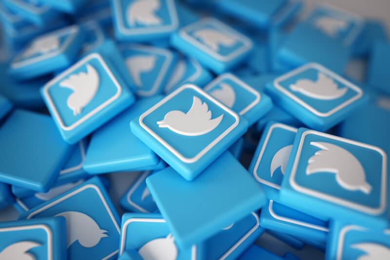Ejemplos de profesores que usan las redes sociales en clase