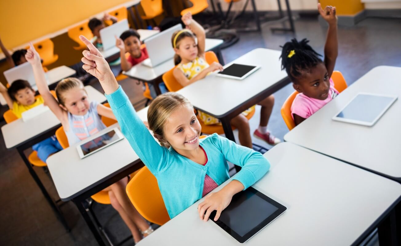 What is the BlinkLearning Survey on the Use of Technology in Education?